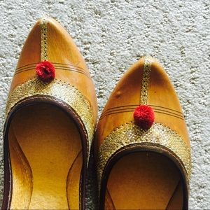 Shoes - New ! Dazzling Brown Embroidered Shoes